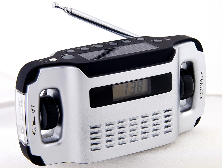 PowerPlus Lynx Dynamo & Solar powered Radio & Flashlight.