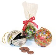 Plush Hand Painted Bauble with Chocolate Buttons - 50g