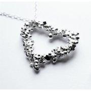 La Jewellery Fair Trade Large Pebble Heart Necklace