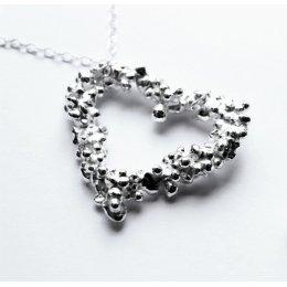 La Jewellery Fair Trade Large Pebble Heart Necklace test