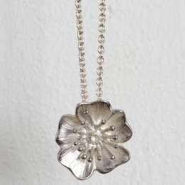 Mosami Wild Rose Pure Love Necklace