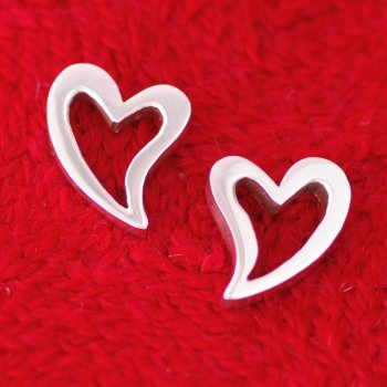 Silverchilli Curvy Heart Earrings