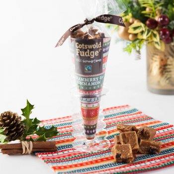 Cotswold Fudge Cranberry & Cinnamon Christmas Cone - 150g