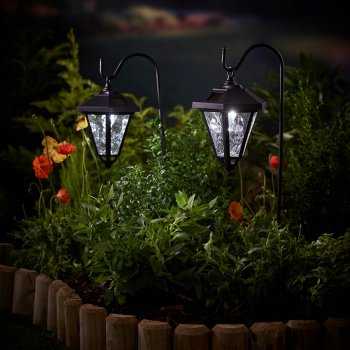 Solar Coach Light with Shepherds Hook - Twin Pack